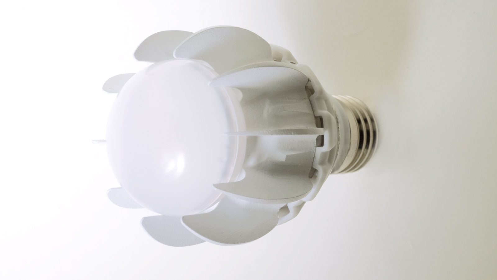 Click here to read GE Figures Out How to Squeeze 100W of Light from a 27W LED Bulb